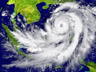 台風の目って、スポーツの試合などで波乱を起こしそうな選手などに対しても使われたりするよね?