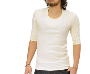 インナーシャツはホワイト系をチョイス!